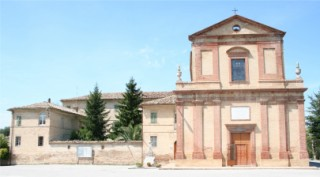 Vista Anteriore Santuario Santa Maria Apparve